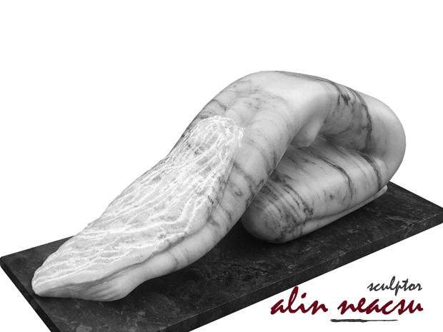 Sculpturi in marmura - Plecaciune