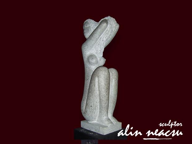 Sculpturi in piatra - Pieptanatul de dimineata